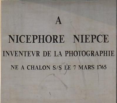 Plaque de la statue de Nicephore Niepce